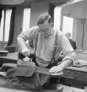 Savile_Row-_Tailoring_at_Henry_Poole_and_Co.,_London,_England,_UK,_1944_D21865